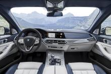 BMW X7 dashboard