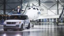 Richard Branson in de Range Rover Autobiography