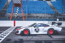 Porsche 935 rijder zijkant