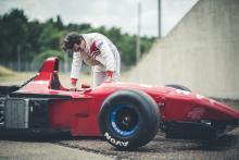 F1 auto Mike O'Connor bij Ferrari 412 T2