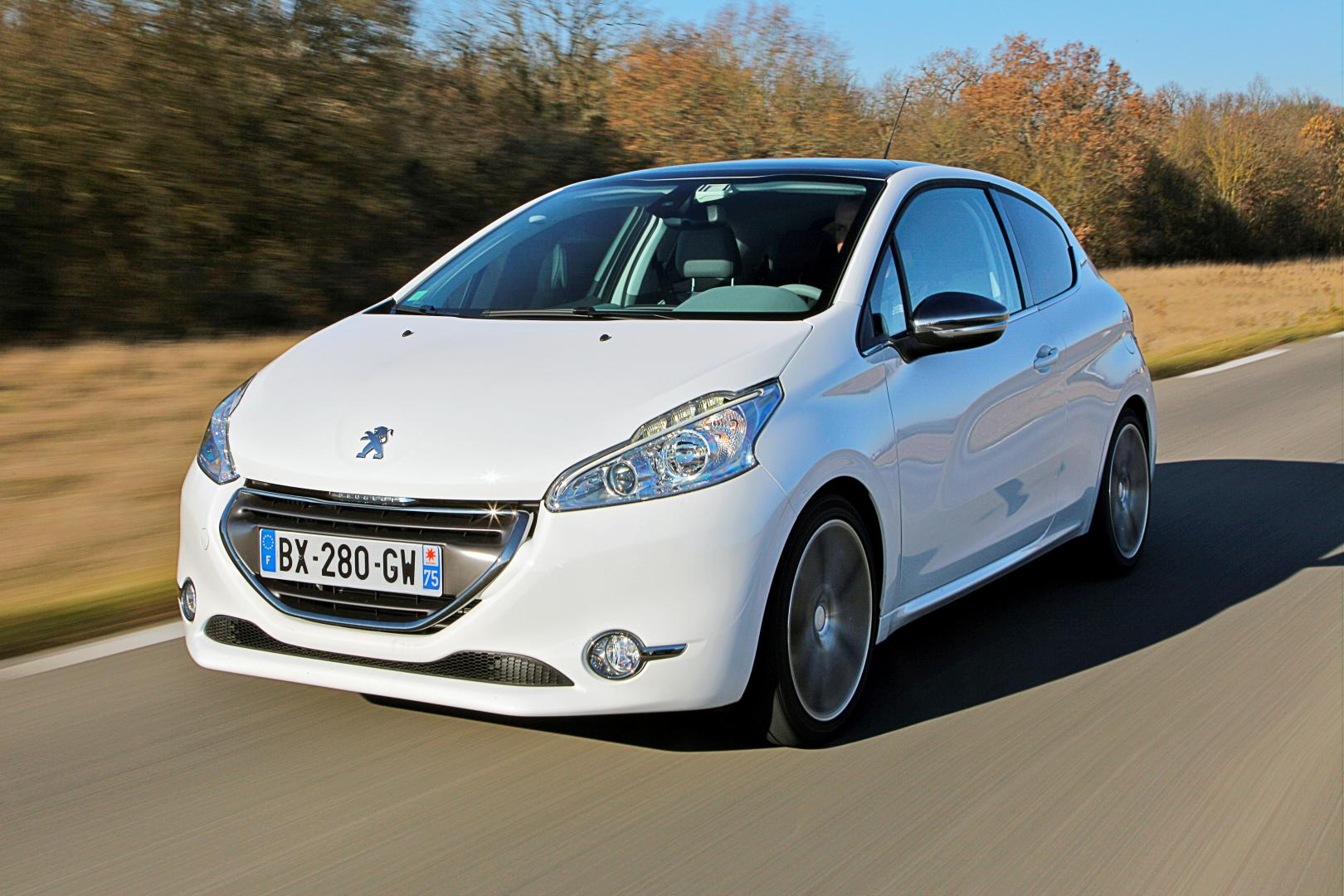peugeot 208 1 6 e hdi test en specificaties topgear nederland. Black Bedroom Furniture Sets. Home Design Ideas