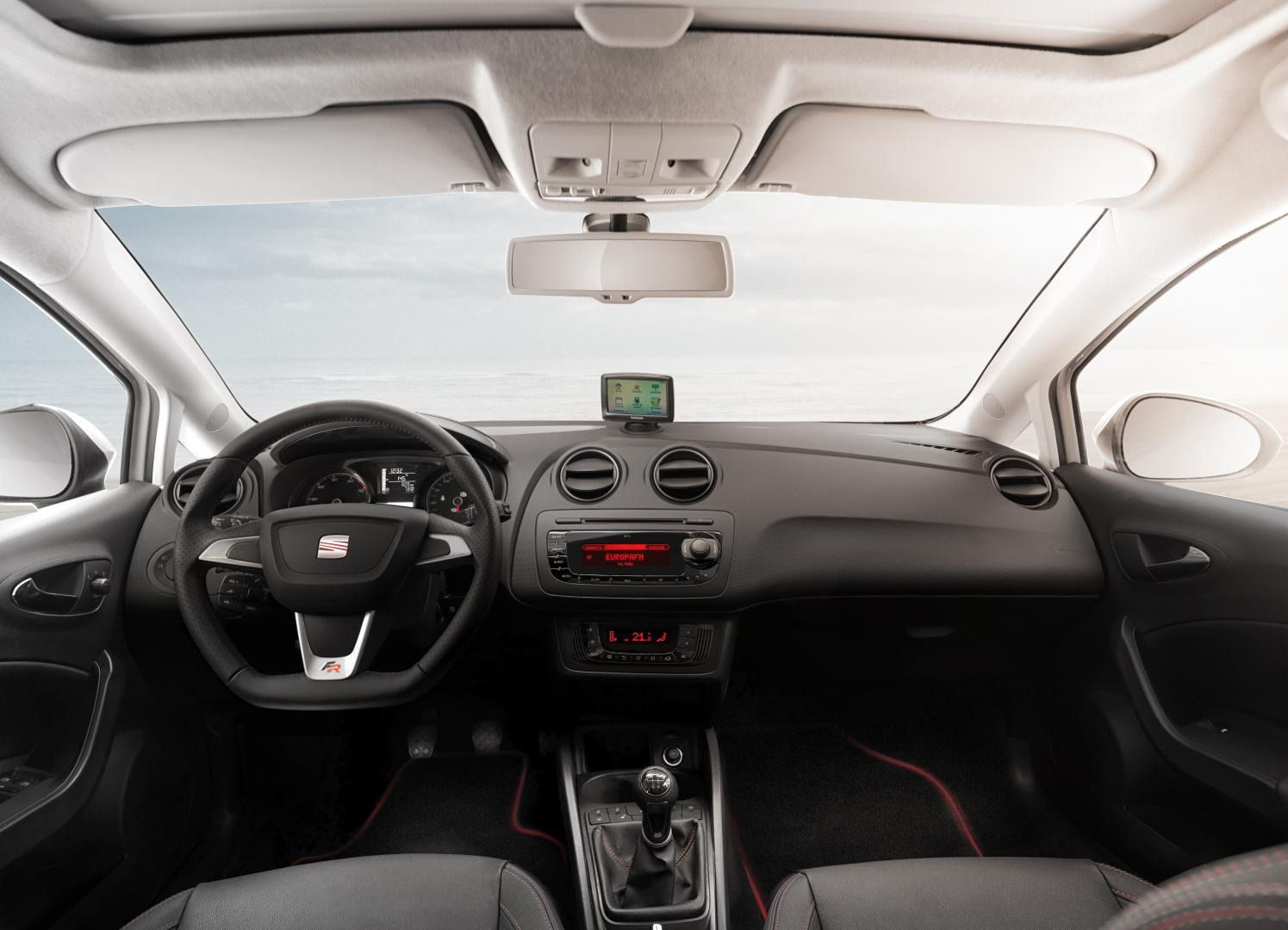 seat ibiza sc 1 2 tsi fr 2013 test en specificaties. Black Bedroom Furniture Sets. Home Design Ideas
