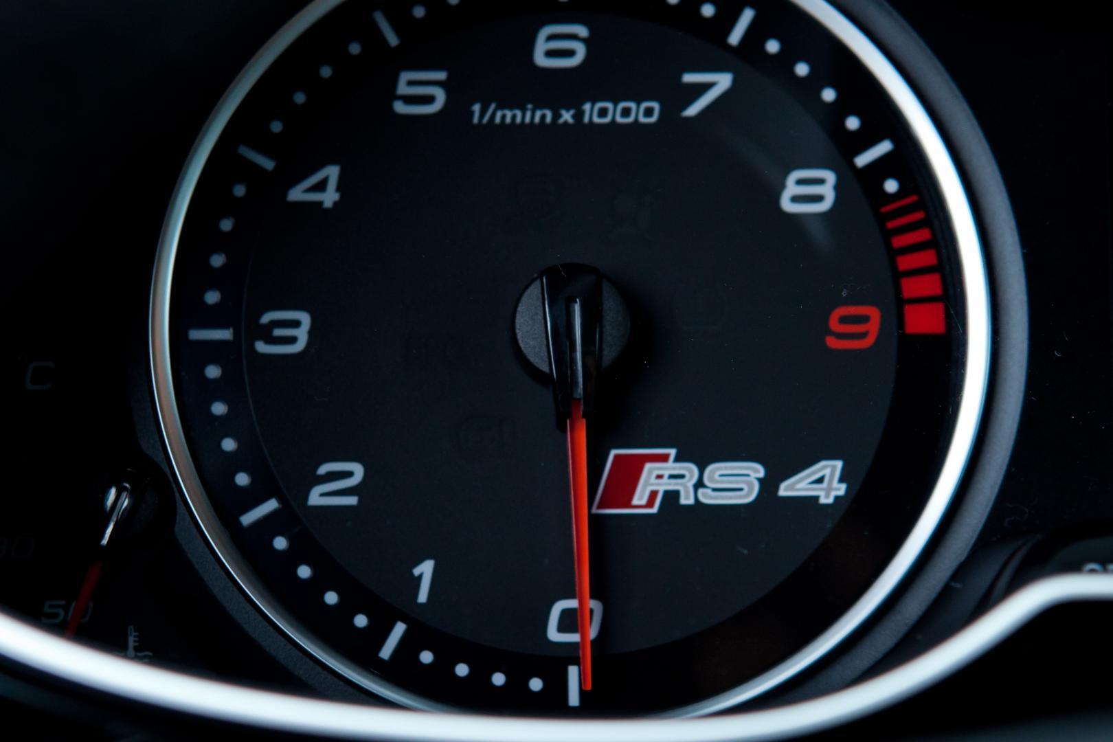 Audi RS 4 Avant toerenteller (2012)