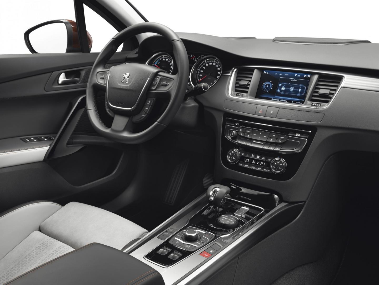 Peugeot 508 RXH interieur (2012)