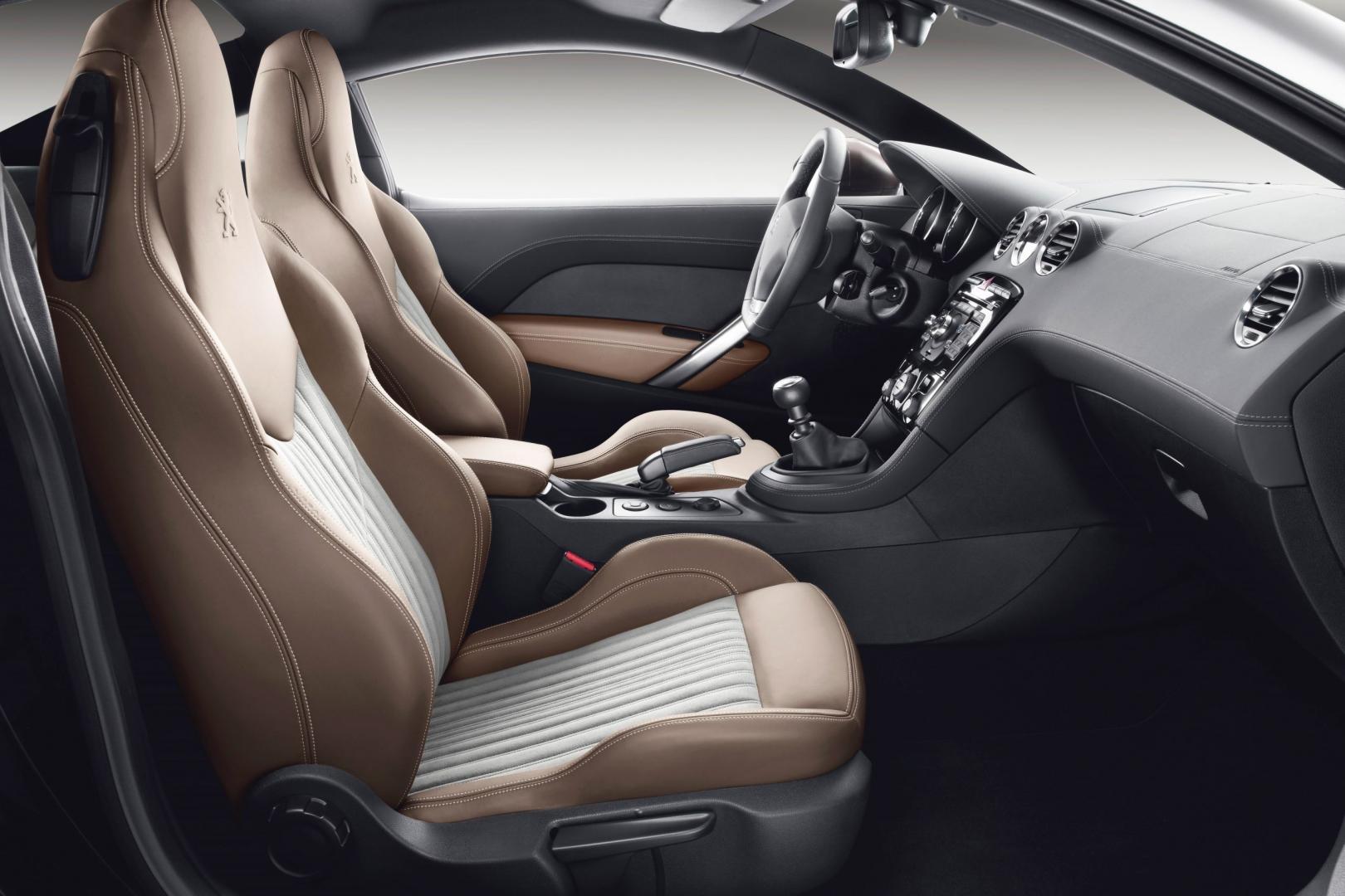 Peugeot RCZ interieur (2013)