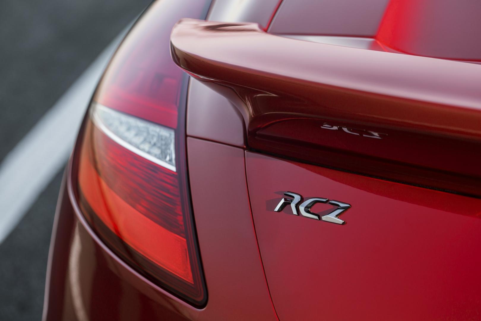 Peugeot RCZ R badge (2014)
