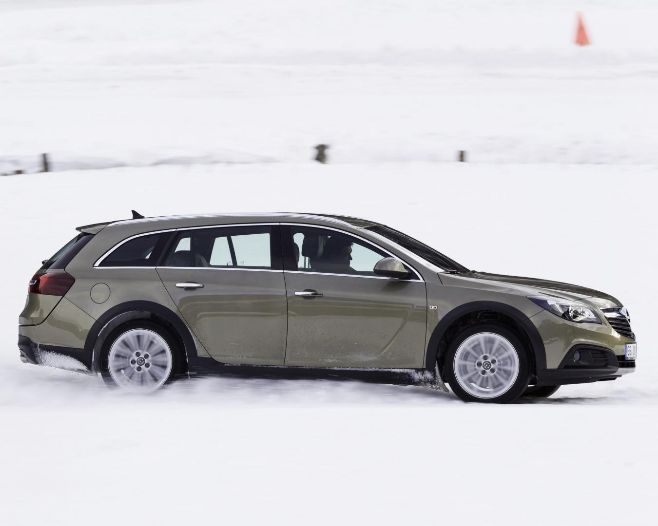 Opel Insignia Country Tourer (2014)