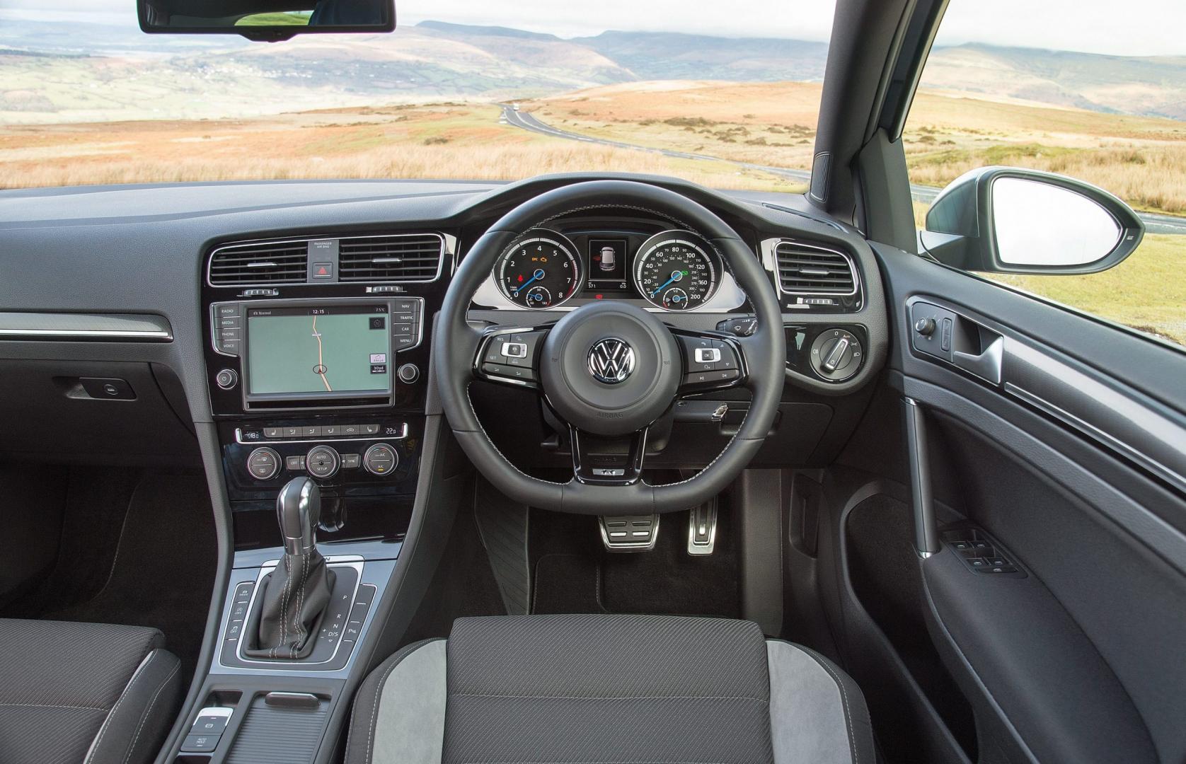 Volkswagen Golf R Interieur 2014