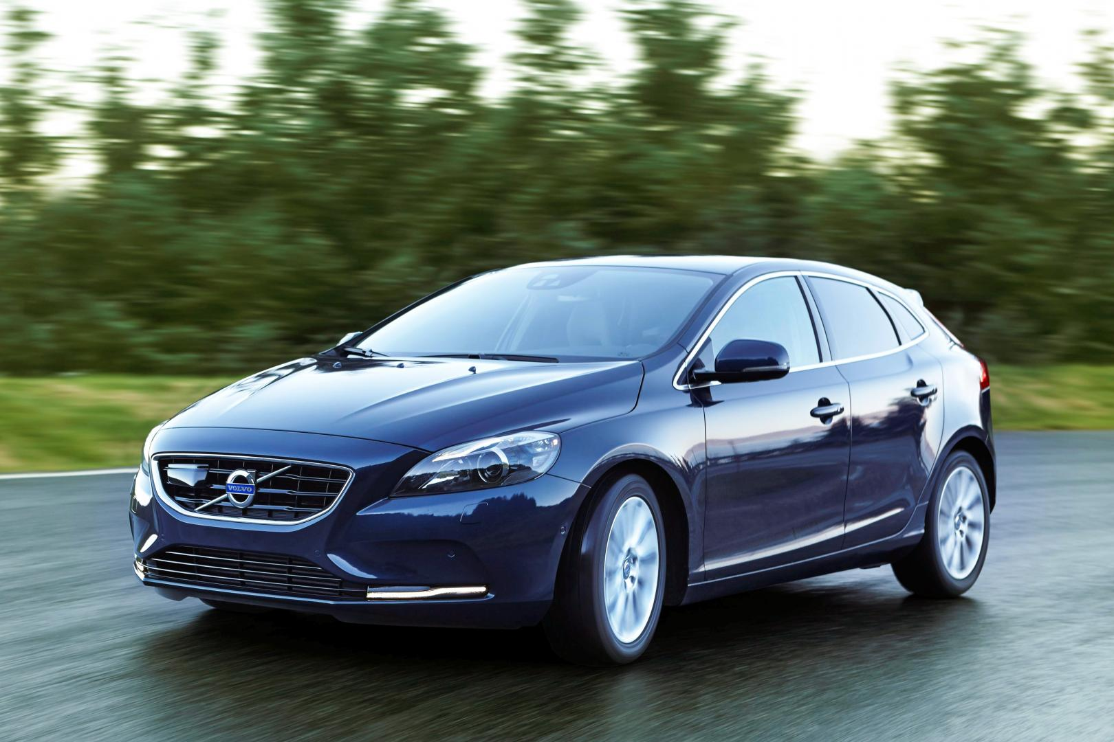 volvo v40 d4 business test en specificaties topgear nederland. Black Bedroom Furniture Sets. Home Design Ideas