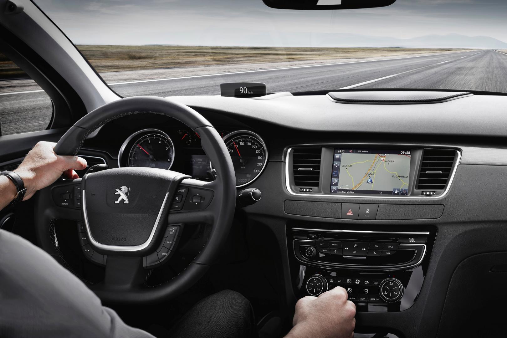 Peugeot 508 2.0 BlueHDI interieur (2014)