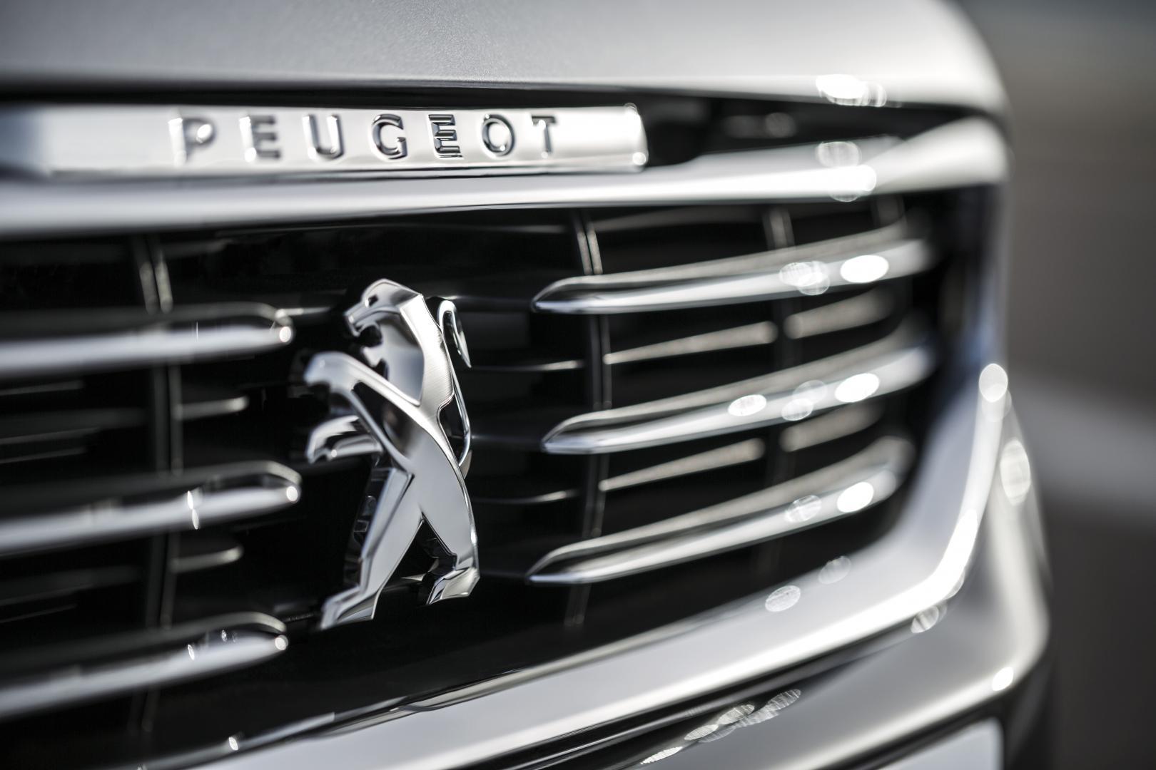 Peugeot 508 2.0 BlueHDI logo (2014)
