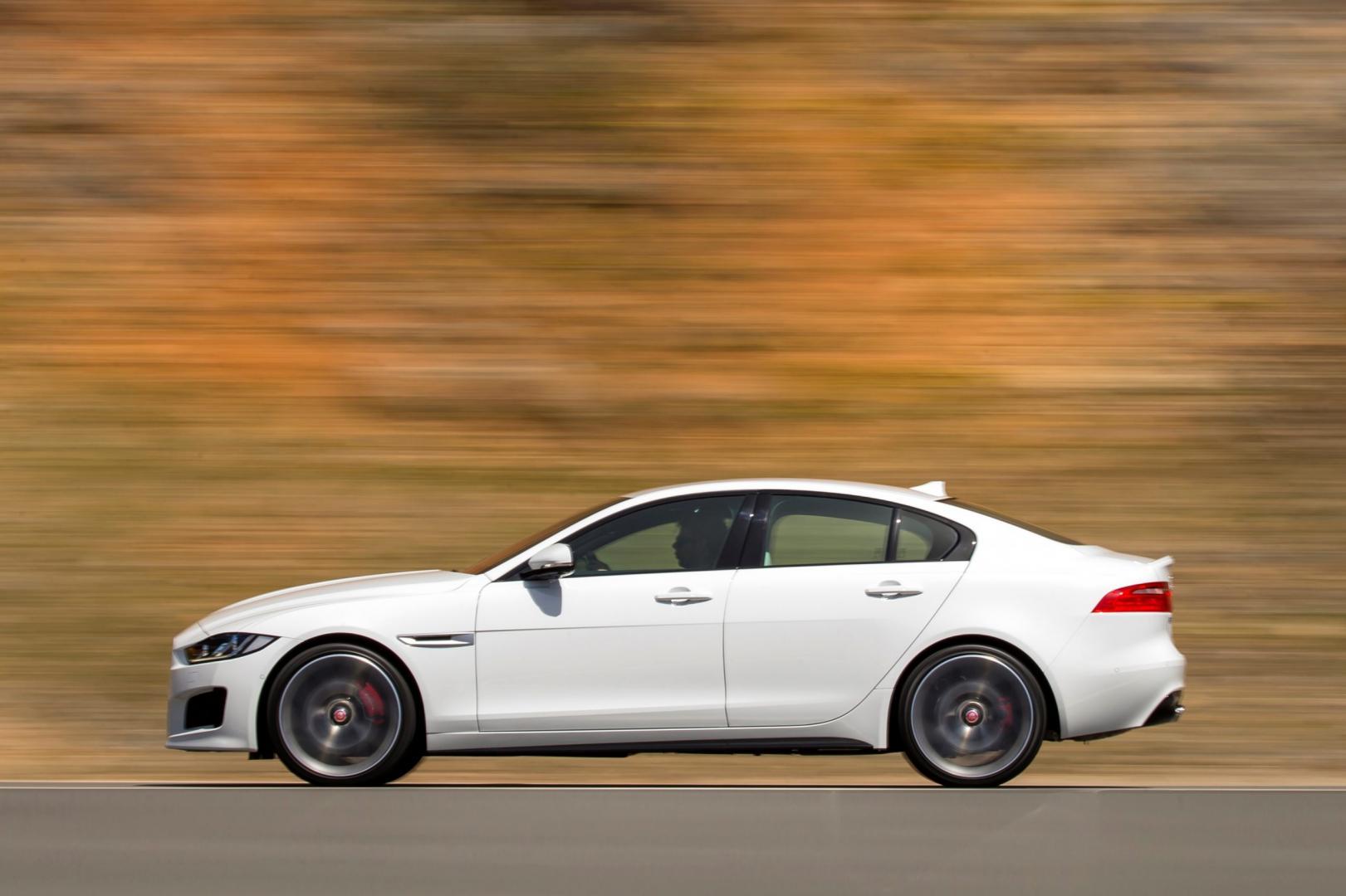 Jaguar XE S 3.0 V6 (2015)