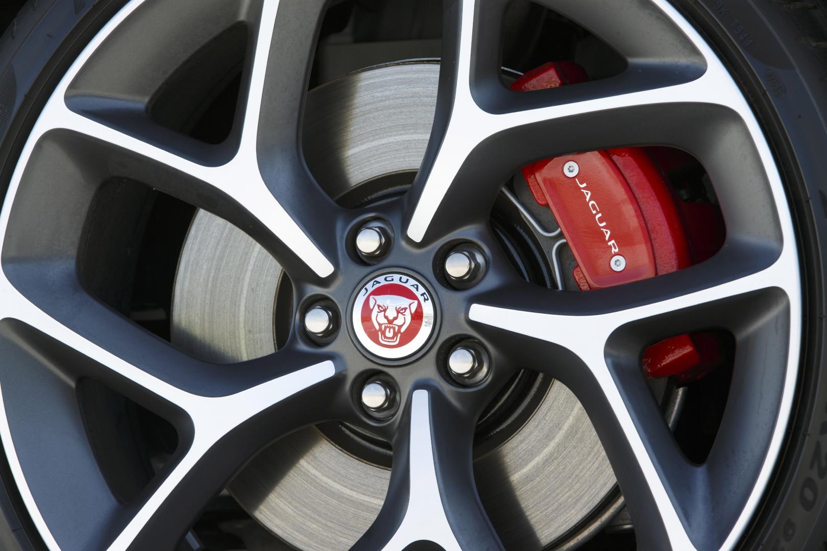 Jaguar Xe S 30 V6 2015 Test En Specificaties Topgear