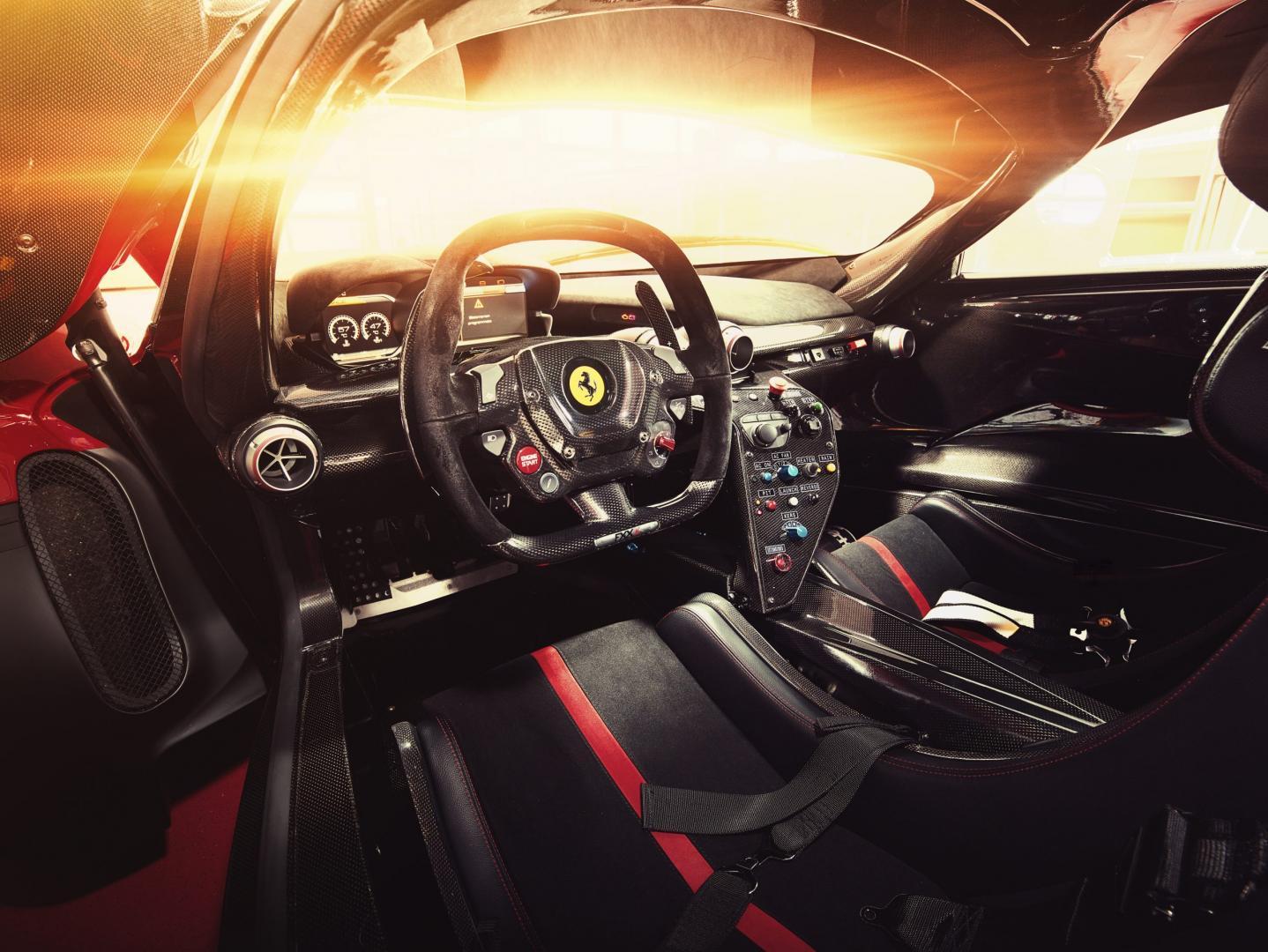 Ferrari FXXK interieur (2015)