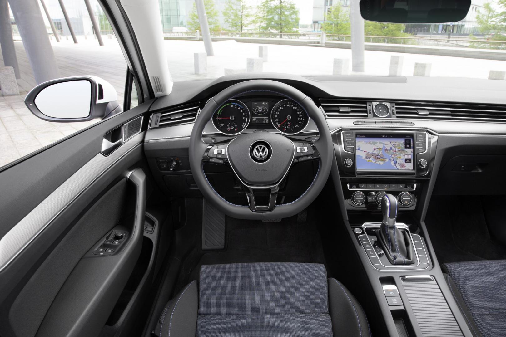 Volkswagen Passat GTE 2015 interieur