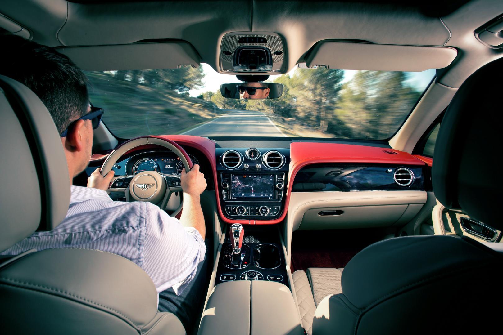 Bentley Bentayga W12 (2016)