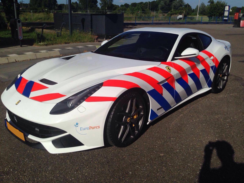 Beter Stop Je Voor Deze Politie Ferrari F12 Topgear