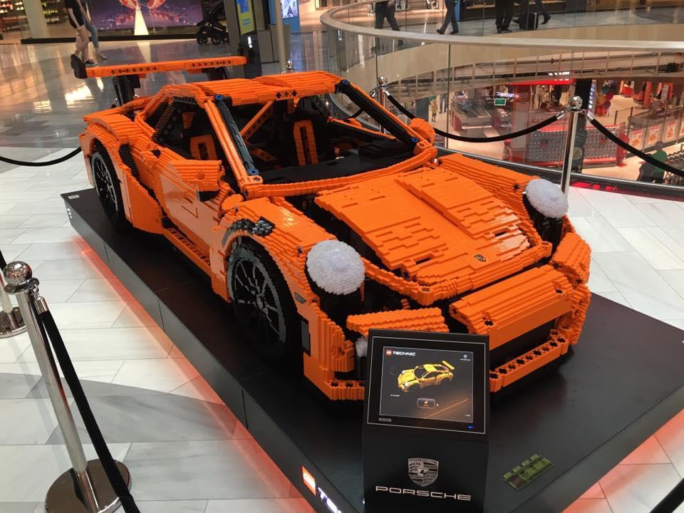 Lego Porsche 911 Gt3 Rs Duikt Op In Stockholm