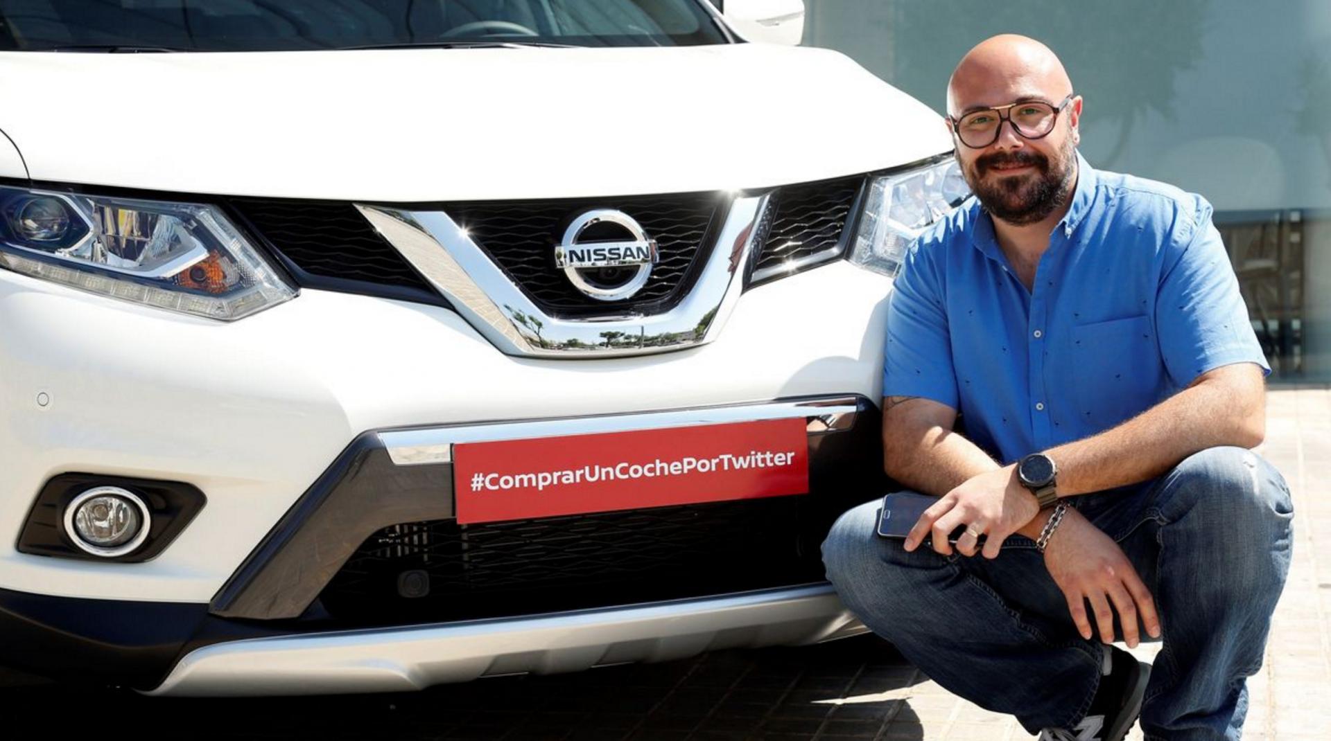 Nissan verkoopt een auto via Twitter