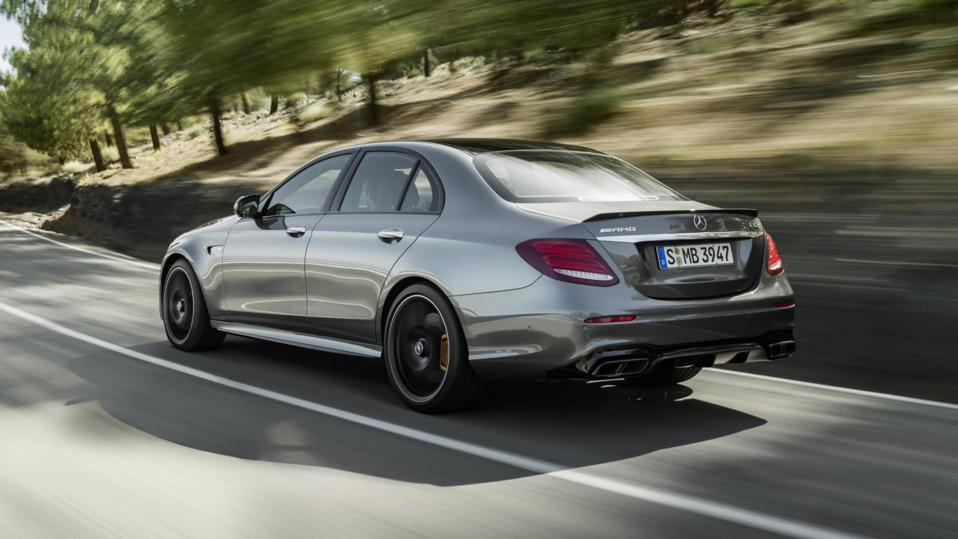 Mercedes amg e 63 heeft 612 pk en een heuse drift mode for Mercedes benz e63s