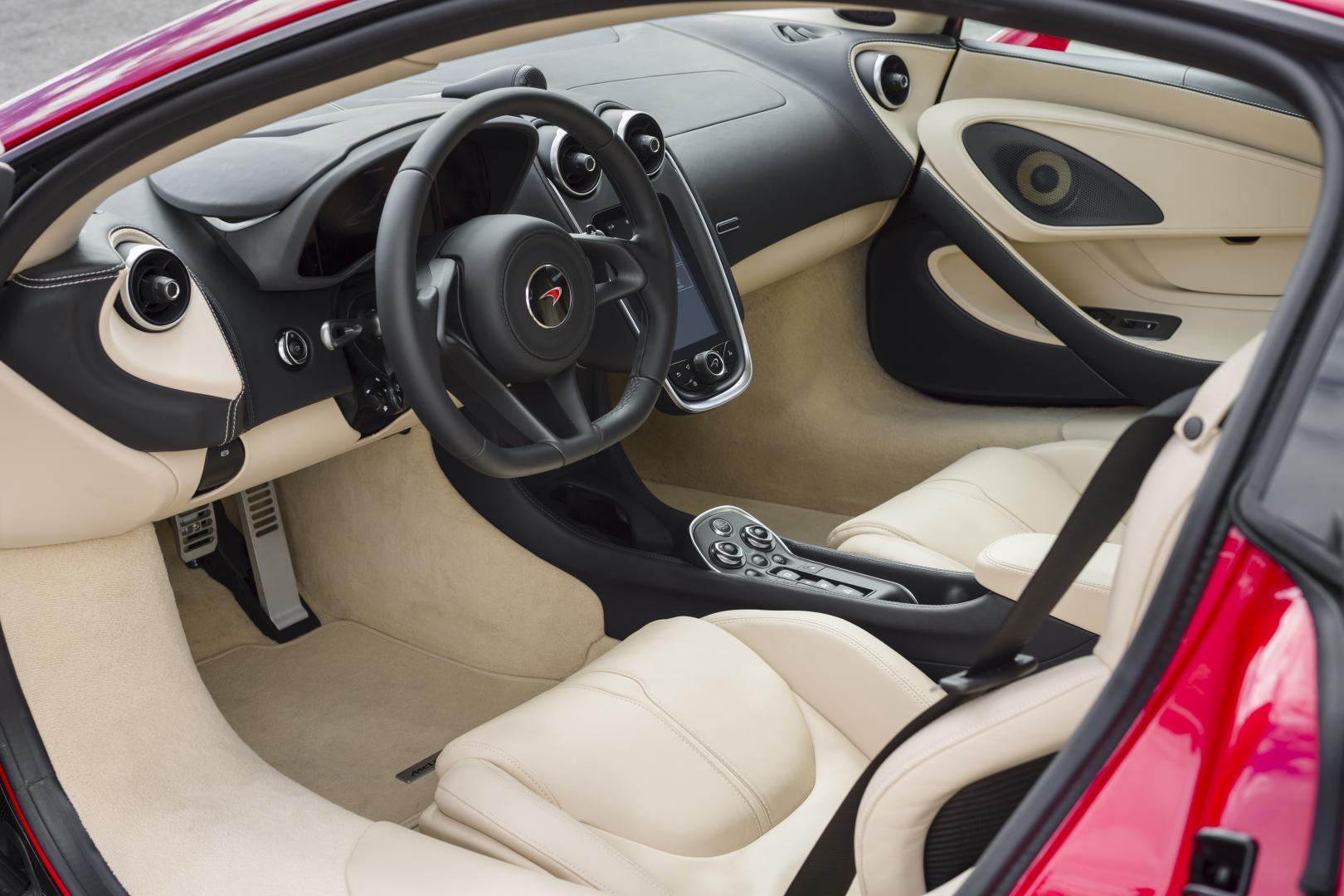 McLaren 540C interieur (2016)
