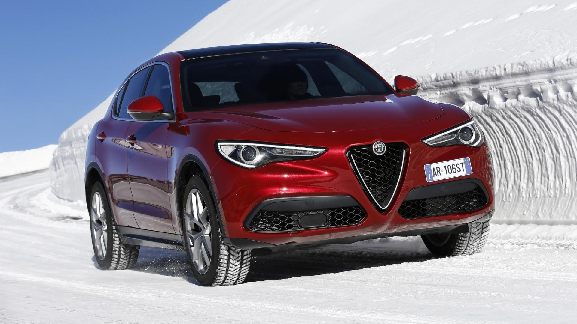 alfa romeo stelvio 1e rij indruk van de 2 0 benzine topgear. Black Bedroom Furniture Sets. Home Design Ideas