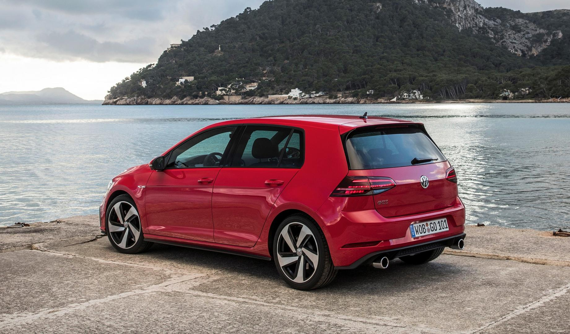 volkswagen golf gti performance 2017 is hier topgear. Black Bedroom Furniture Sets. Home Design Ideas