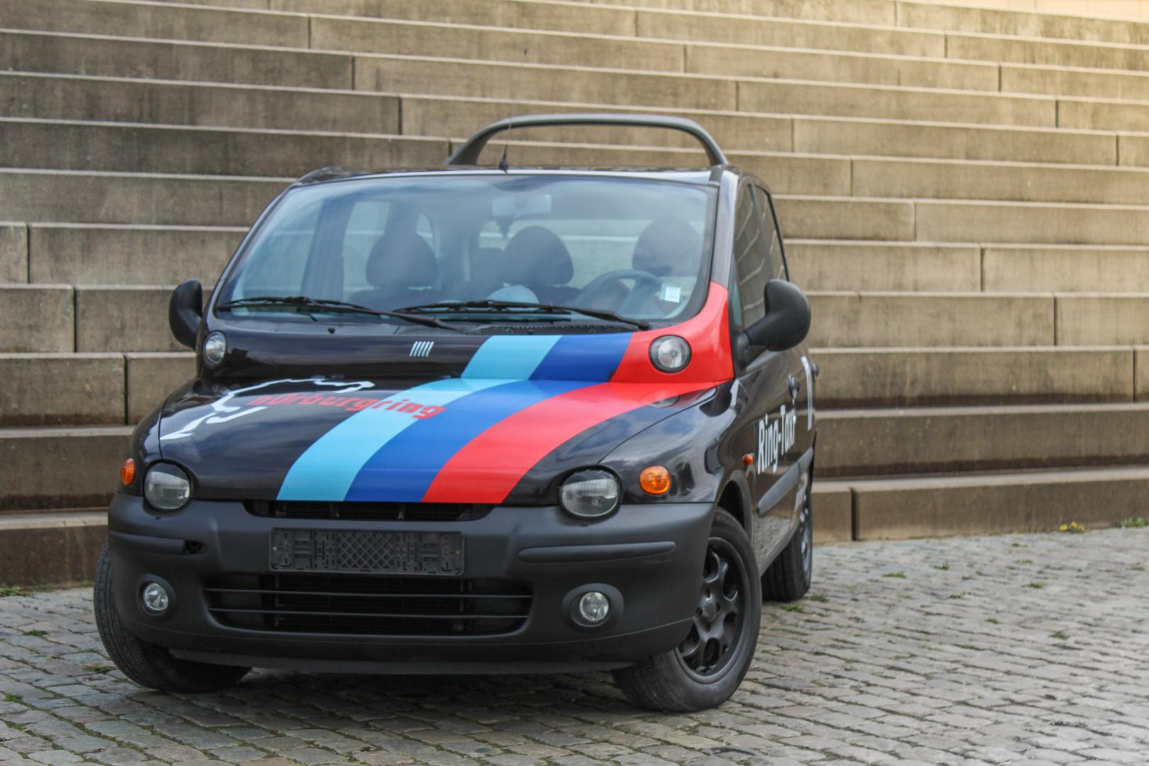 fiat multipla ringtaxi gaat de n rburgring verslinden topgear. Black Bedroom Furniture Sets. Home Design Ideas