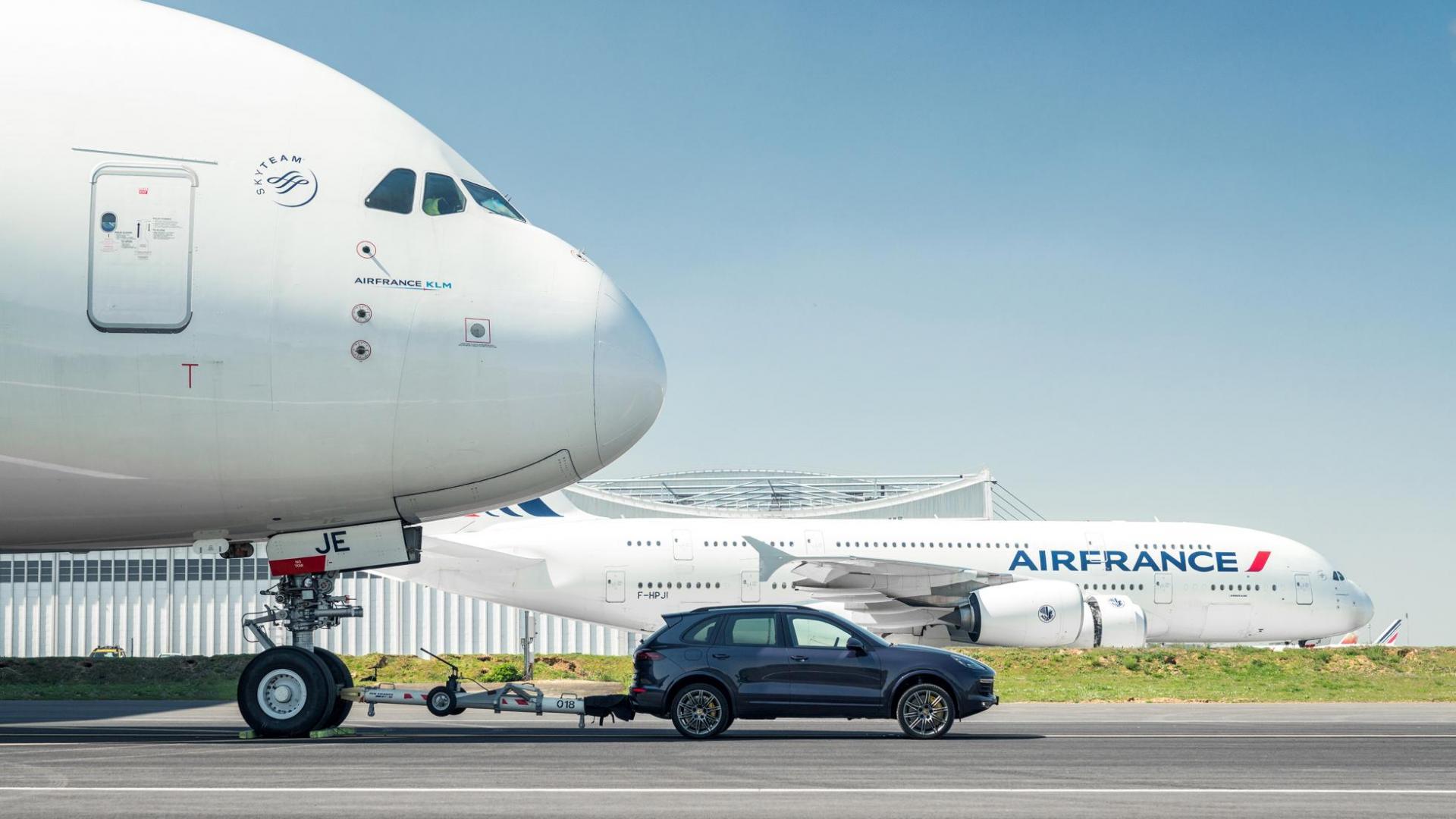 Porsche Cayenne - Airbus A380