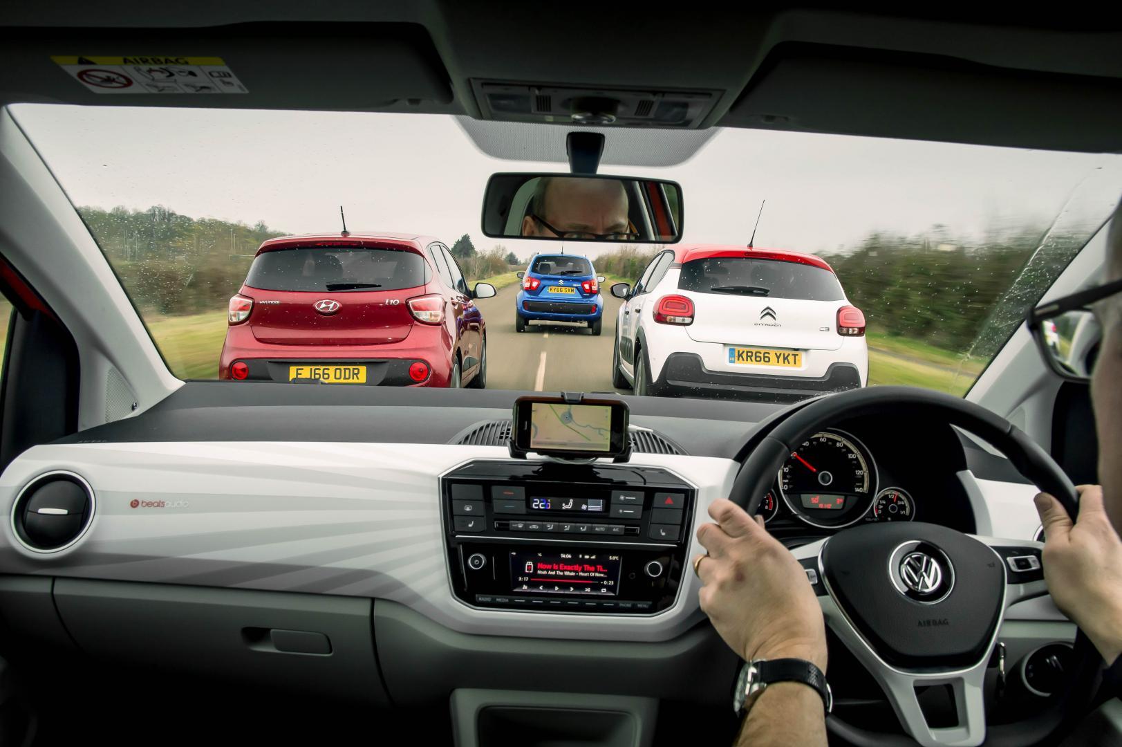 Welke kleine auto is het beste? We testen vier stadsauto's - TopGear