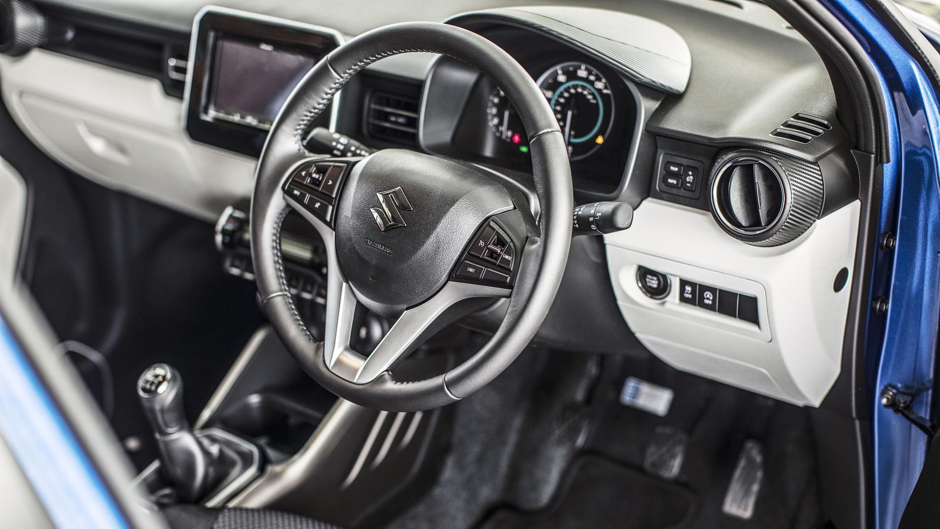 Suzuki Ignis vs Suzuki SC100 GX
