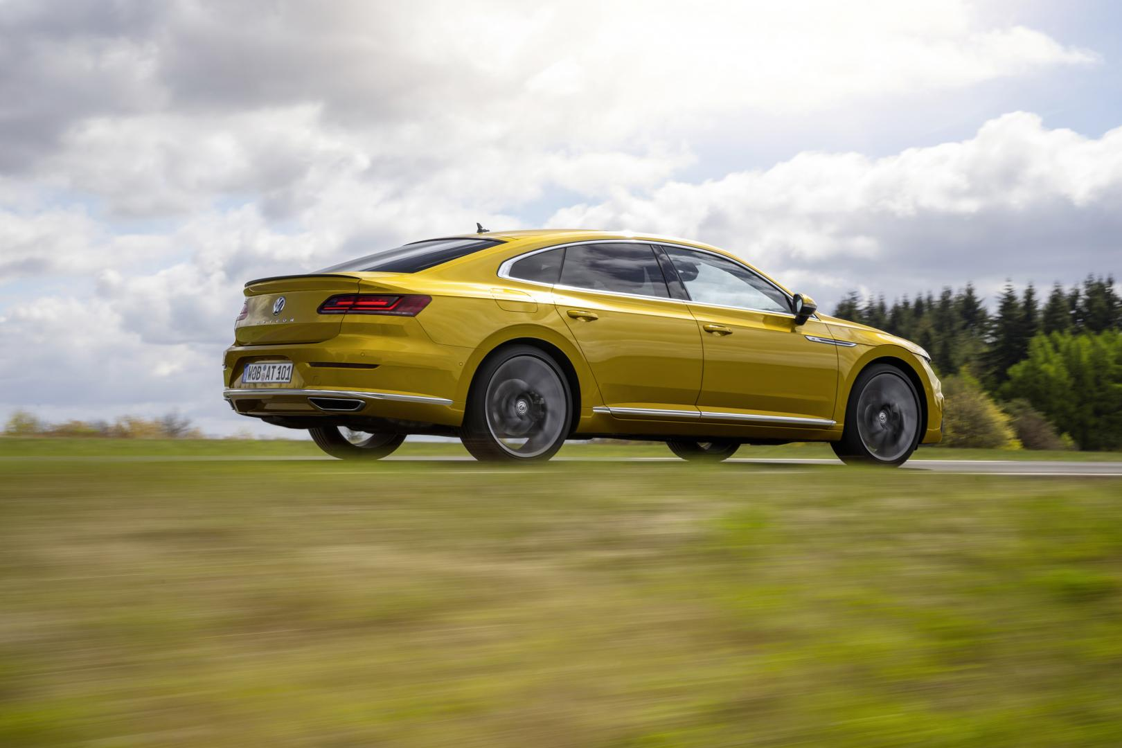 de eerste testkilometers met de nieuwe volkswagen arteon topgear. Black Bedroom Furniture Sets. Home Design Ideas
