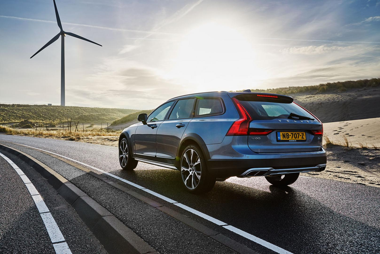 volvo v90 cross country t6 awd pro autotest en specifiecaties. Black Bedroom Furniture Sets. Home Design Ideas