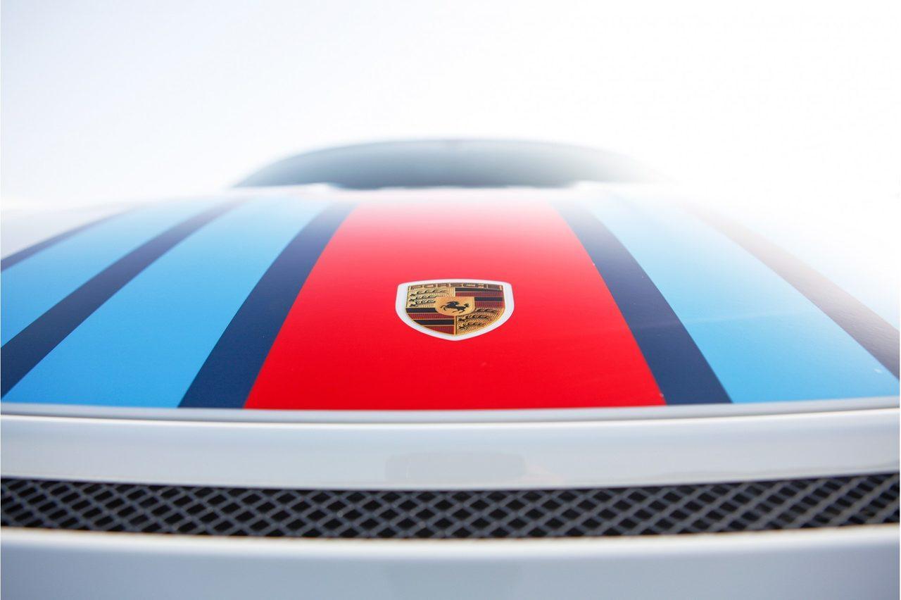 Porsche 911 GT3 RS met Martini-stickers