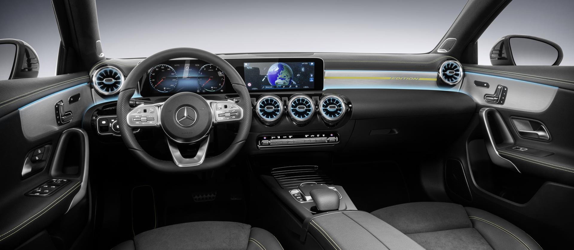 Nieuwe mercedes a klasse krijgt s klasse interieur for Mercedes a klasse amg interieur