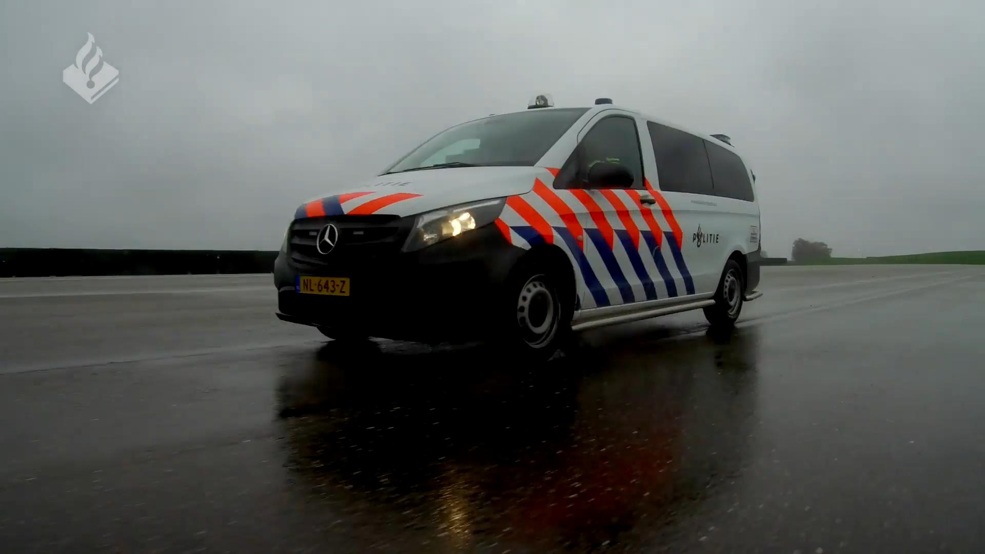 Dit zijn de nieuwe Mercedes-politieauto's van Nederland