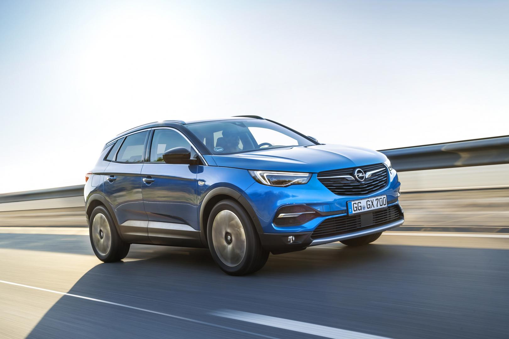 opel grandland x 1 2 turbo business executive autotest en specificaties. Black Bedroom Furniture Sets. Home Design Ideas