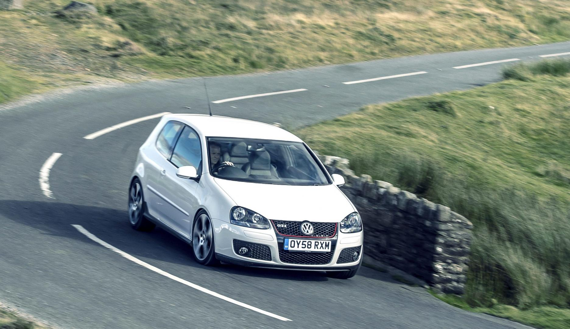 tweedehands Golf V GTI auto de beste hot hatches volkswagen golf 5 gti