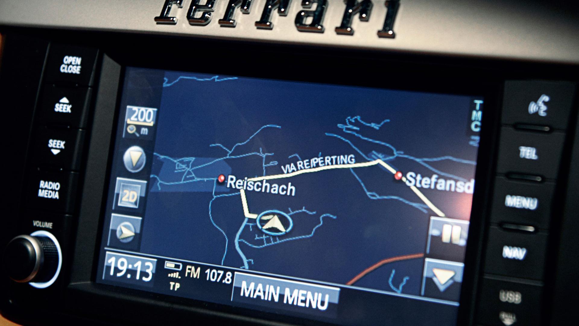 Ferrari FF 2011 navigatiesysteem