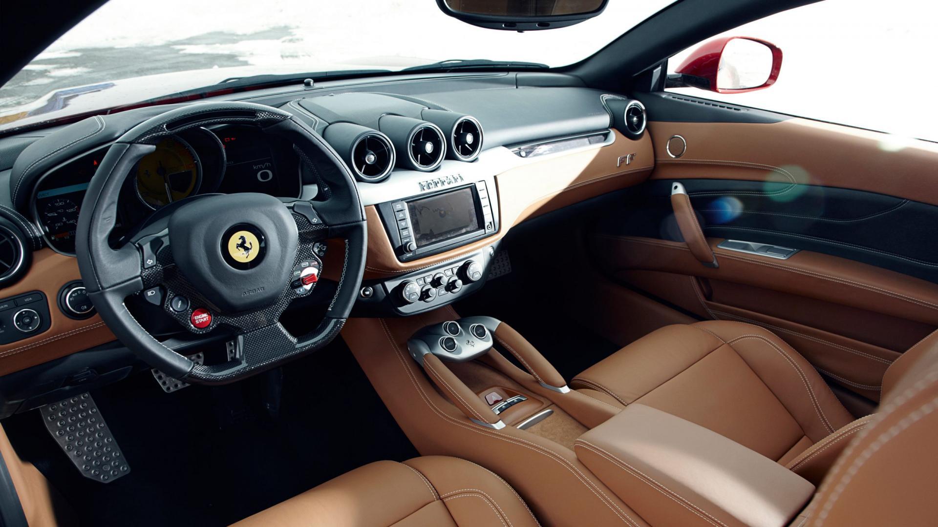 Ferrari FF 2011 interieur