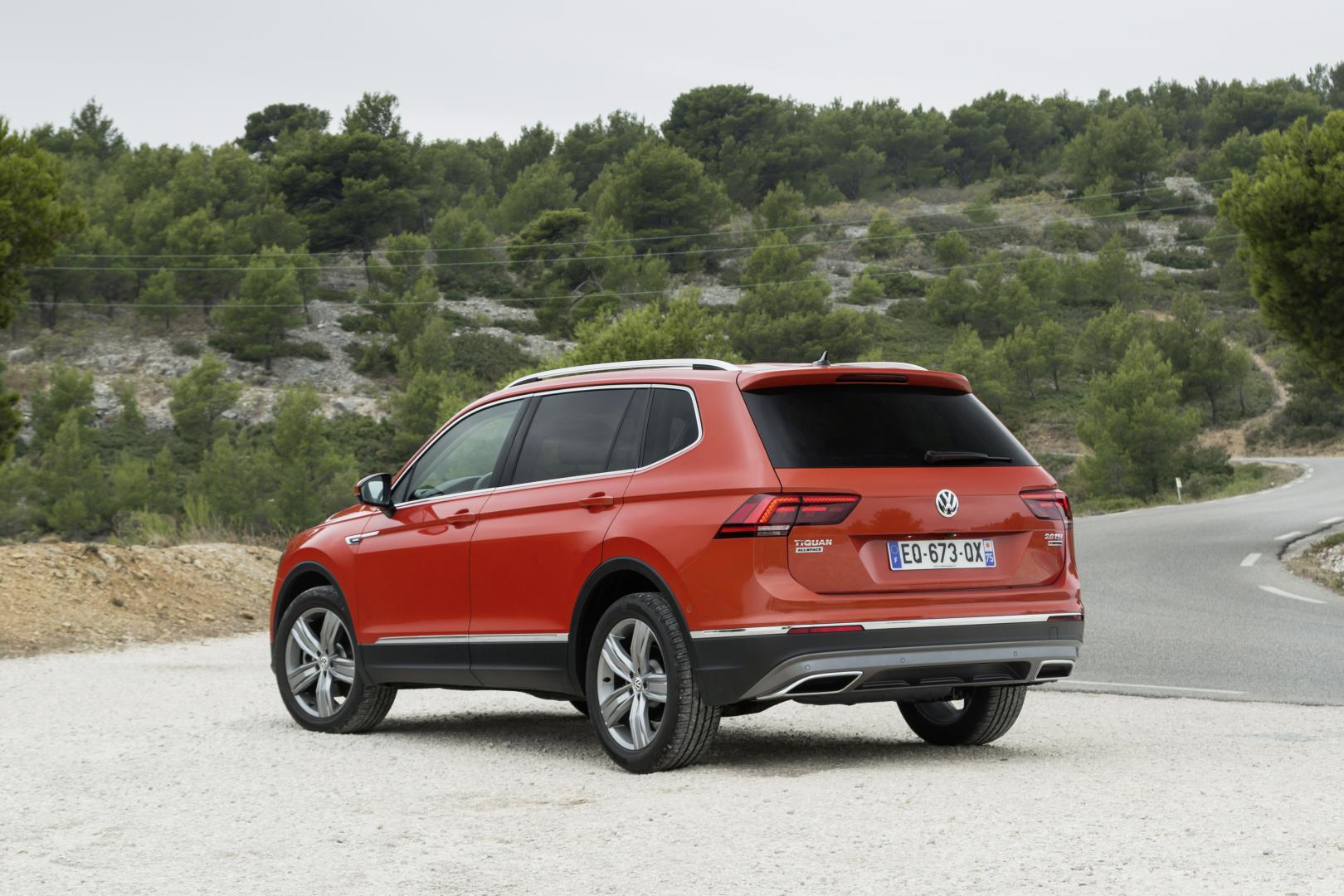volkswagen tiguan allspace 1 4 tsi comfortline autotest en specificaties. Black Bedroom Furniture Sets. Home Design Ideas
