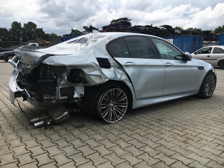 BMW M5 F10 schadeauto
