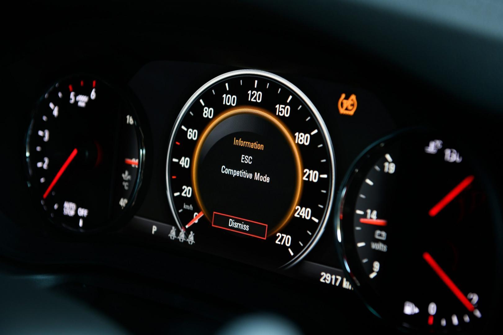 Opel Insignia GSi 2018 snelheidsmeter teller