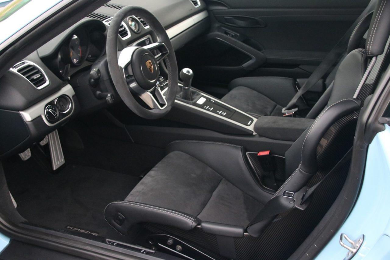 Porsche Cayman GT4 interieur