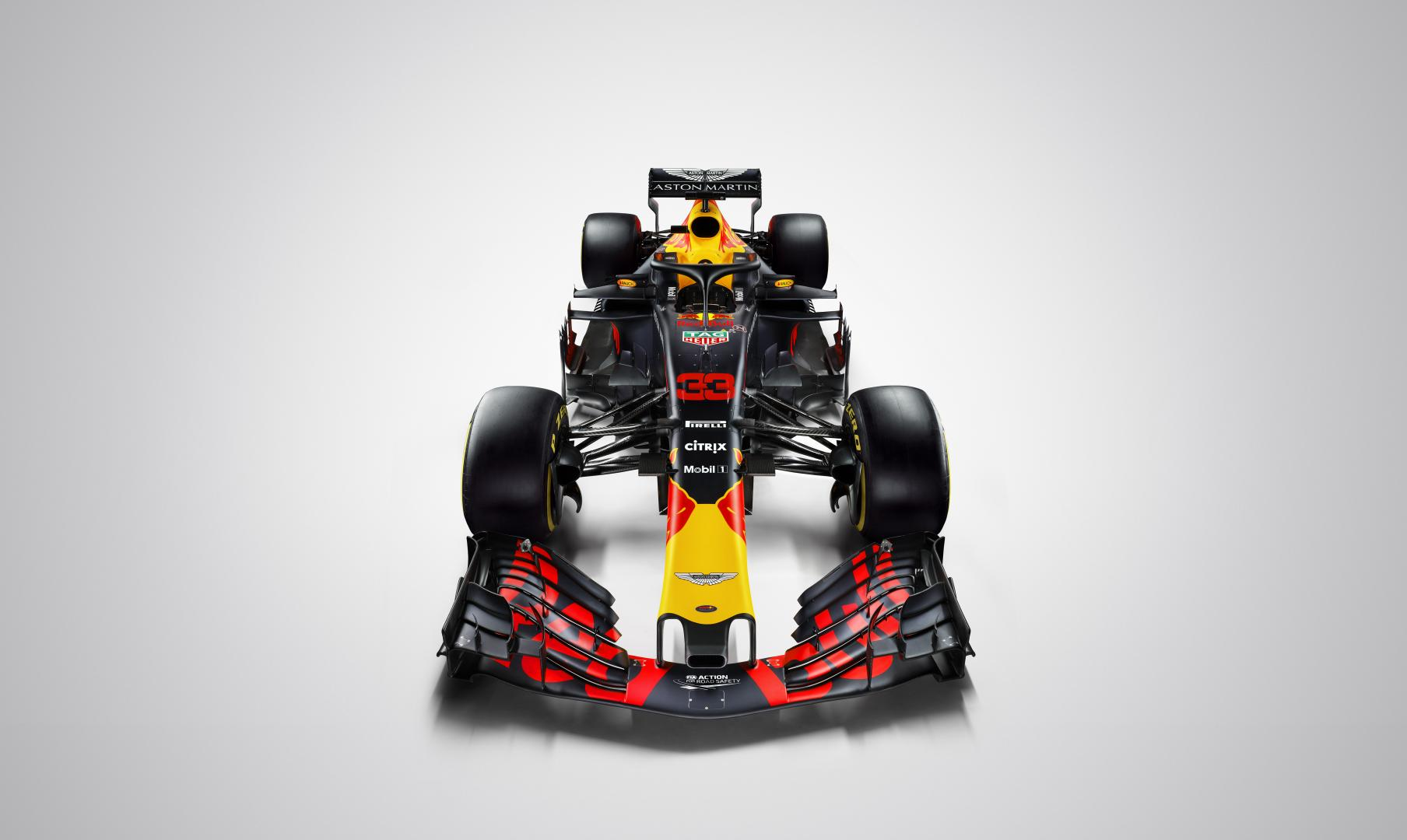 Red Bull RB14 in definitieve kleuren