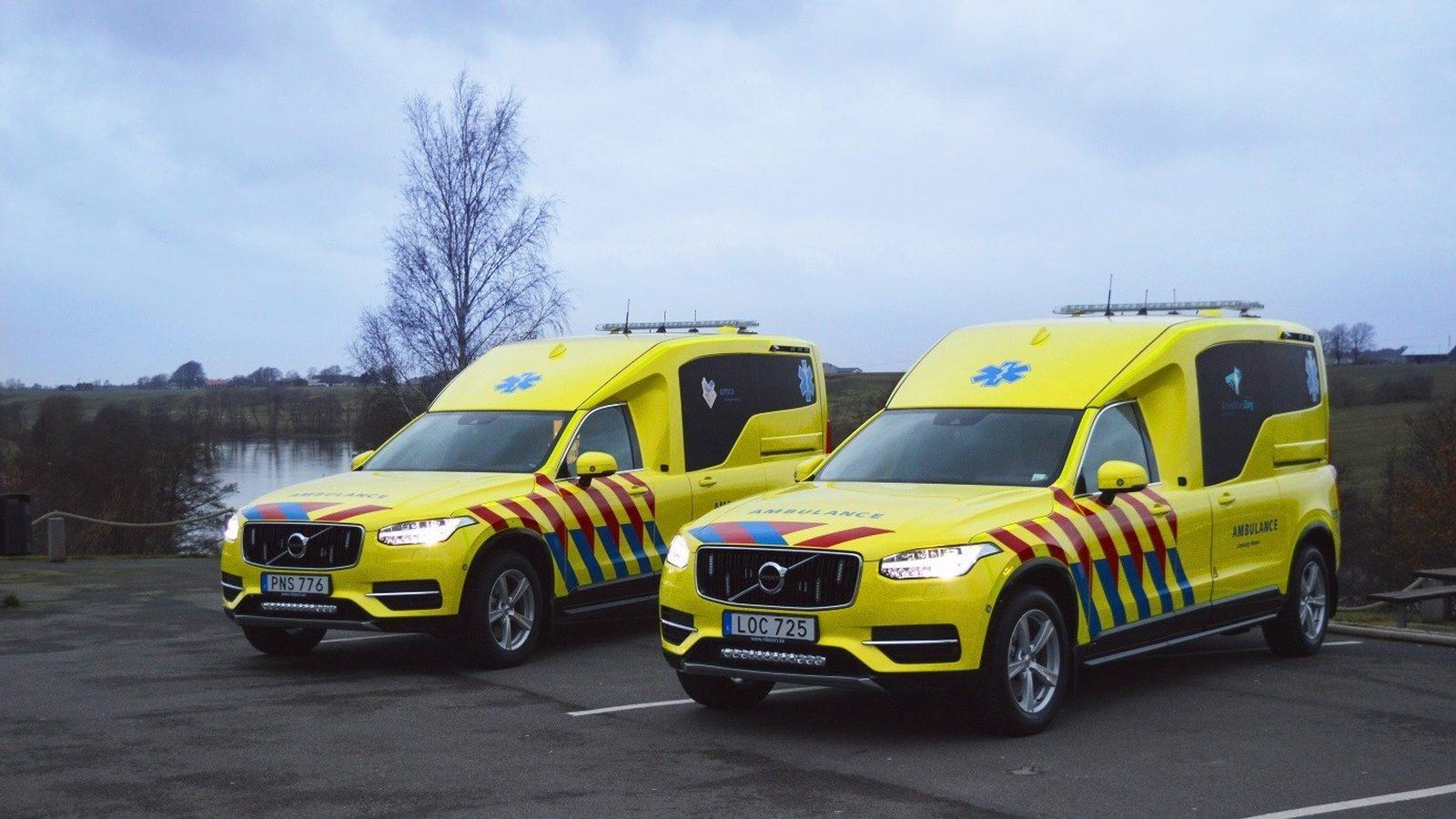 Nieuwe V60 2018 >> Eerste Volvo XC90 ambulance in dienst genomen in Nederland - TopGear