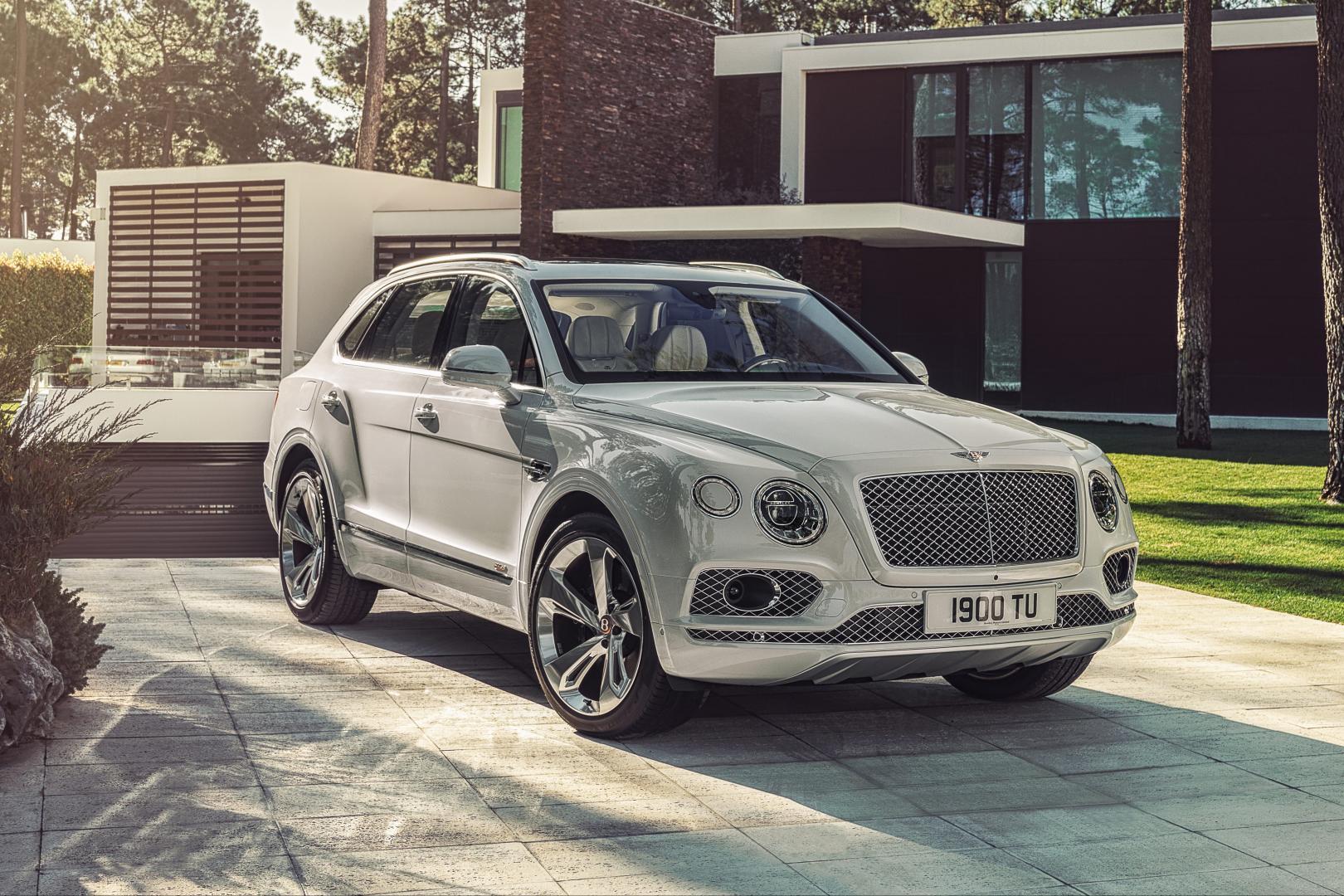 Bentley Bentayga Hybrid rechtsvoor