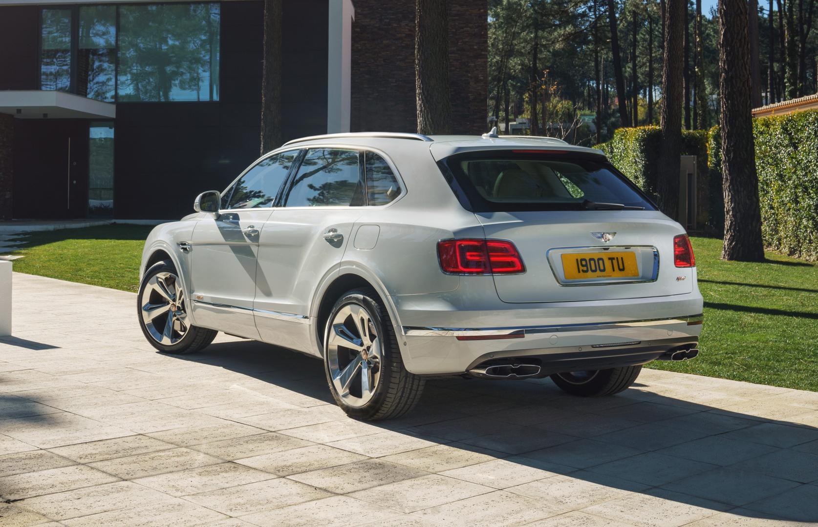 Bentley Bentayga Hybrid linksachter inrit