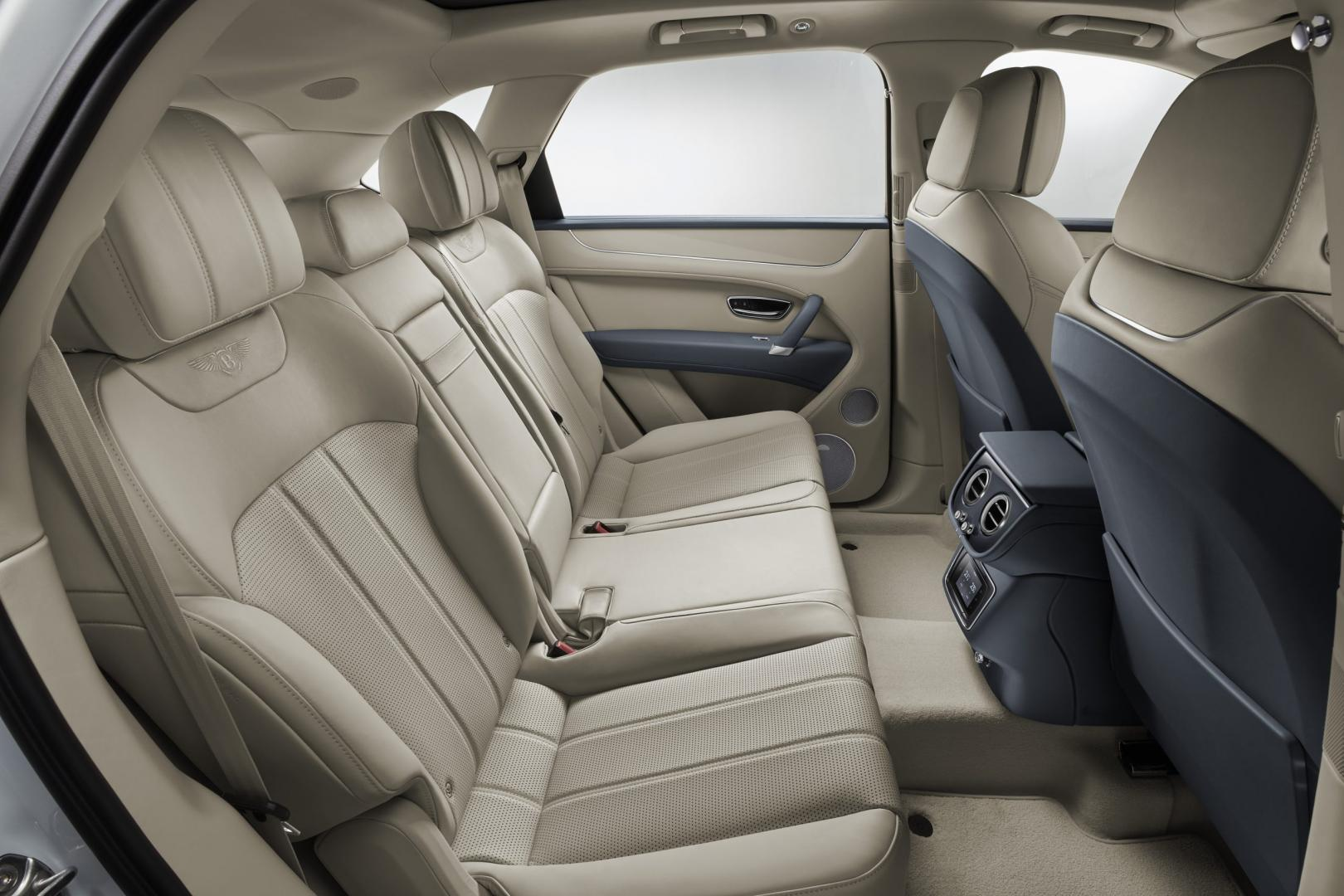 Bentley Bentayga Hybrid stoelen achterin