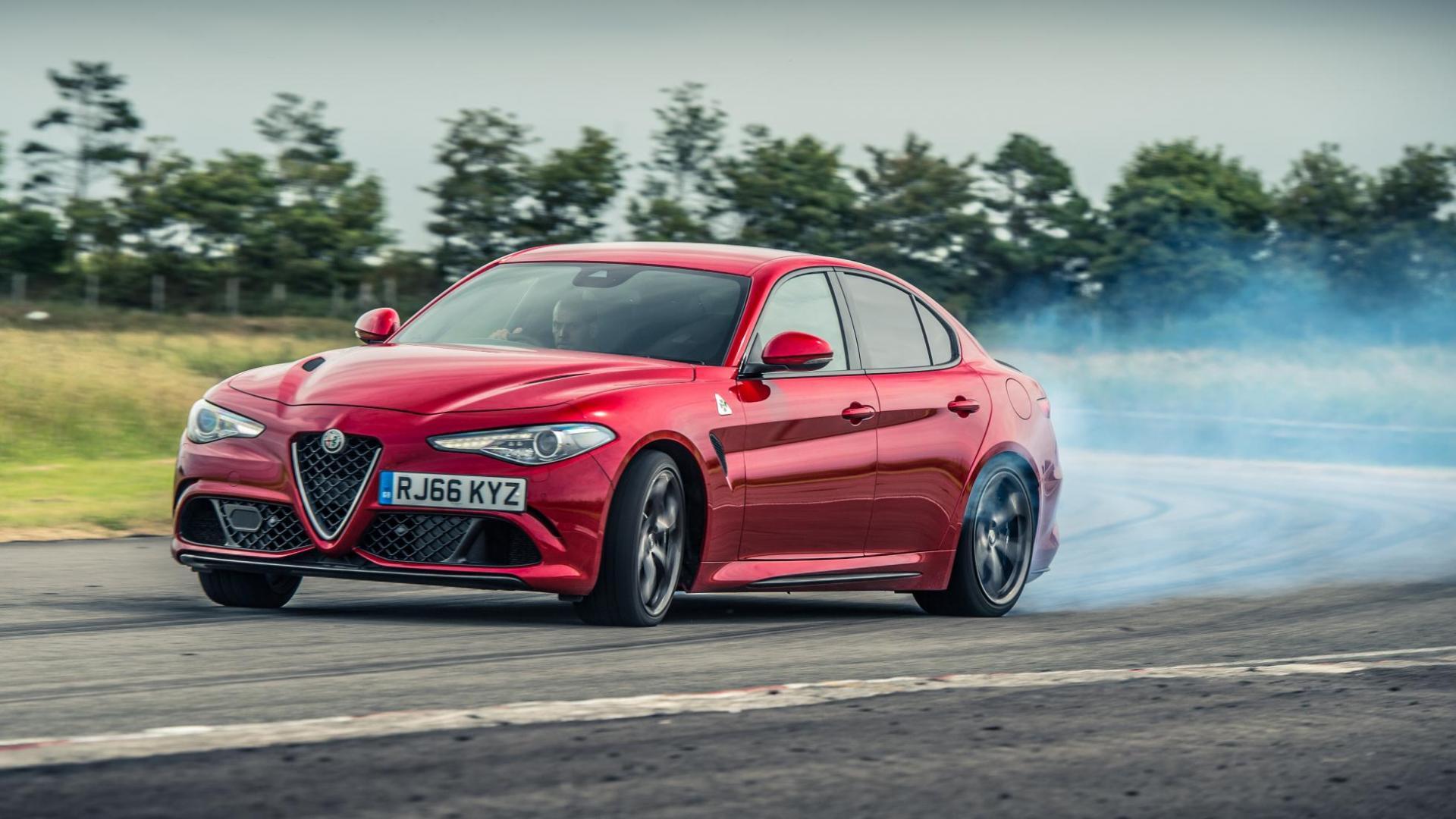 Alfa Romeo Giulia Quadrifolgio drift